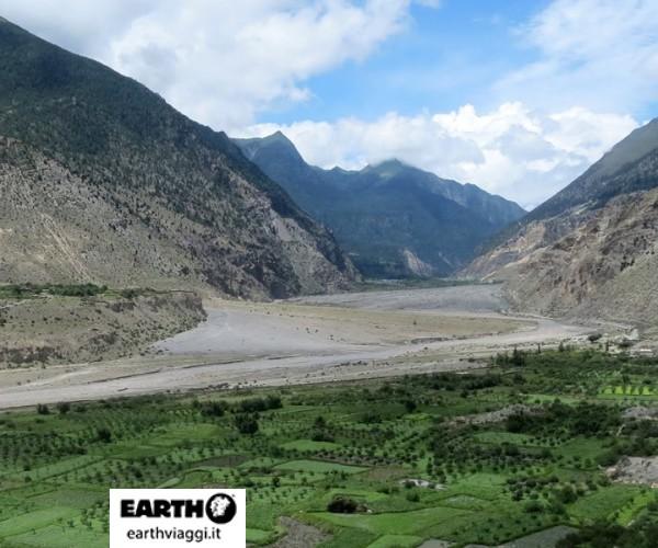viaggio in mustang, un'esperienza di pura spiritualità - be earth