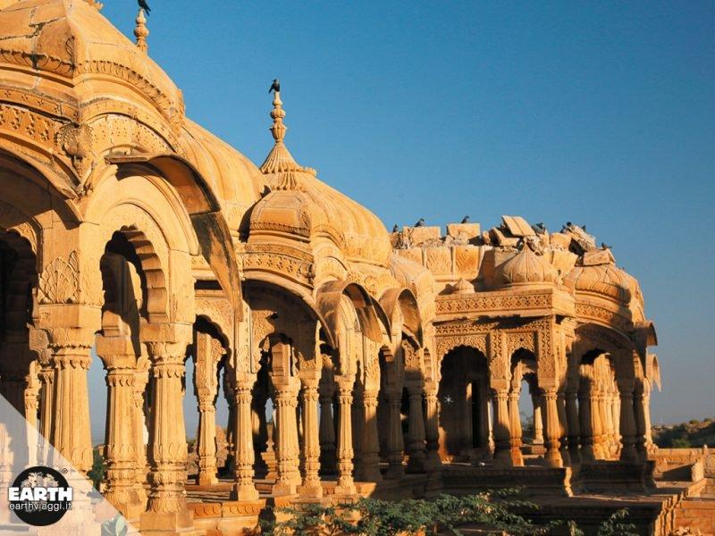 In viaggio verso Jaisalmer, la città d'oro del Rajasthan