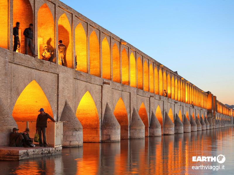 Isfahan, viaggio nel capolavoro dell'architettura islamica