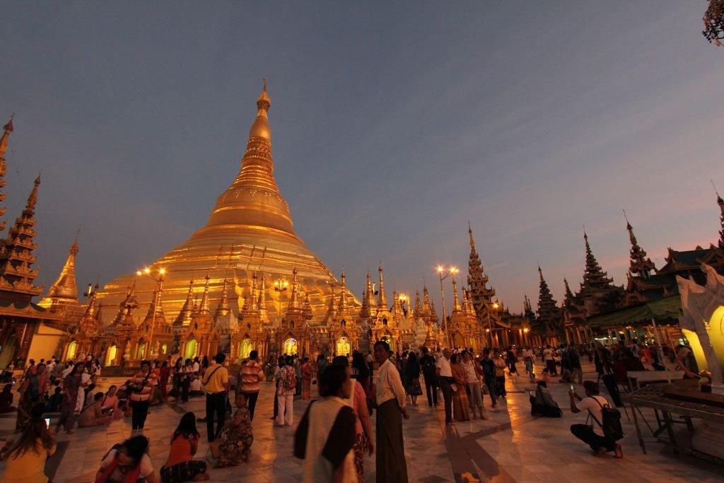 Myanmar fra sorrisi e pagode