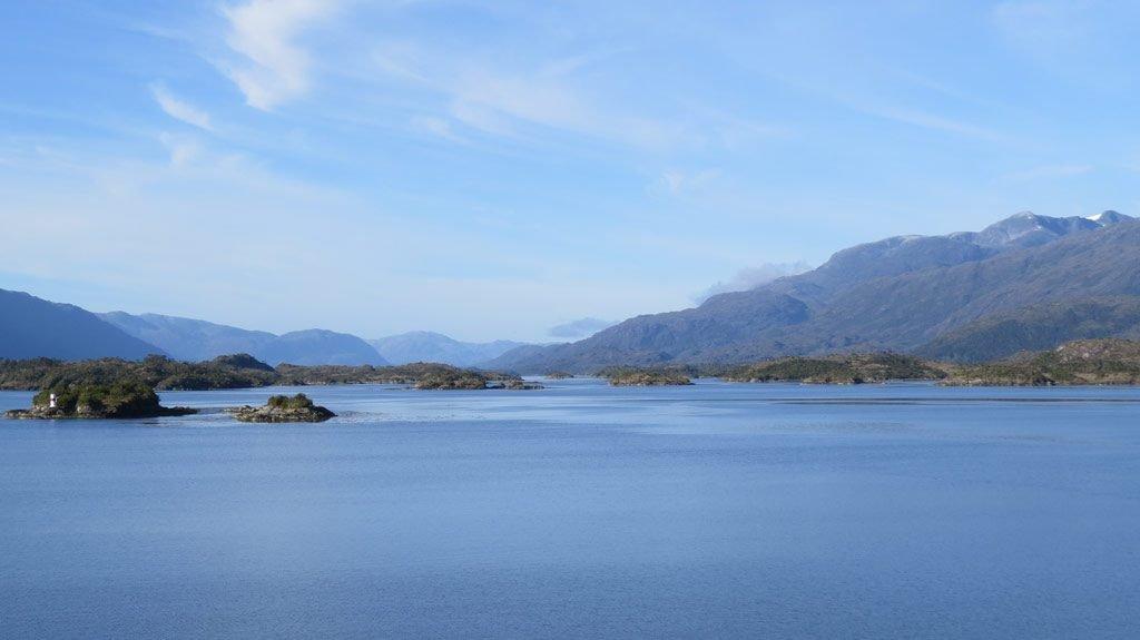 Da Puerto Montt a Puerto Natales, navigando tra i fiordi selvaggi della Patagonia