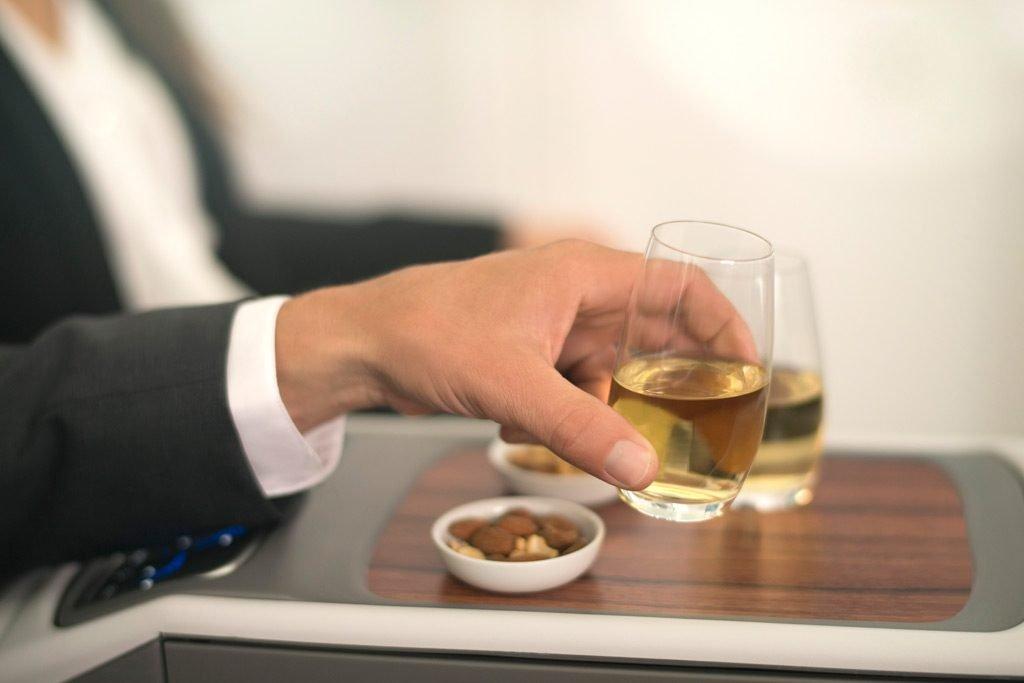 LATAM Airlines presenta il nuovo menù di bordo e la nuova carta dei vini