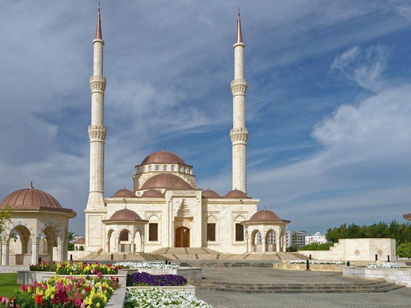Visita a Muscat, alla scoperta della grande architettura araba