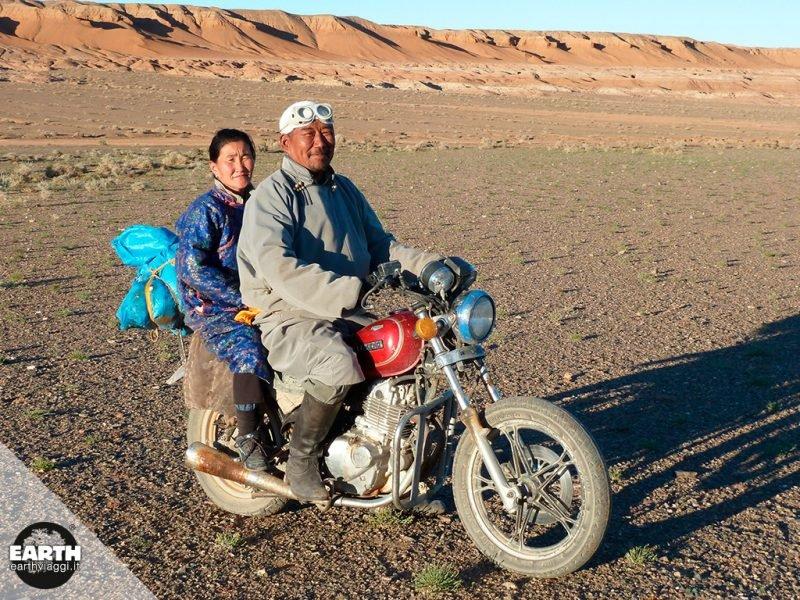 """Letture consigliate: Massimo Zamboni, """"In Mongolia in retromarcia"""""""