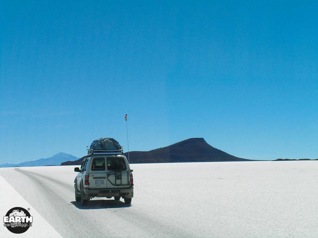 Attraversare il Salar de Uyuni in fuoristrada, un'esperienza unica