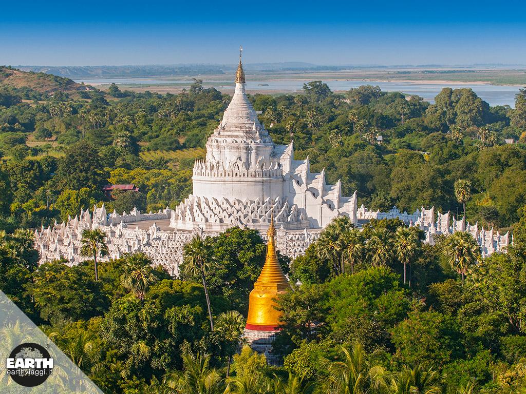 Grandi esperienze: salire a piedi sulla collina di Mandalay